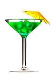 Martini-Glas mit dem grünen coctail getrennt auf Weiß Stockfotos