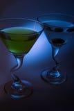 Martini med oliv Arkivfoto