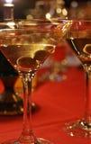 Martini olive et en verre Photo libre de droits