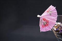 Martini-Regenschirm stockfotografie