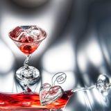 Martini rojo (cóctel) con los cubos de hielo Imagen de archivo