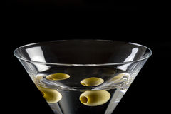 Martini sec avec l'olive photos stock
