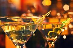 Martini verde oliva y de cristal Imagen de archivo libre de regalías
