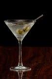 Martini z oliwkami Zdjęcia Stock