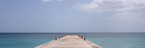 Martinique öhav och pir Arkivfoto