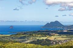 Martinique - Mening aan Le Diamant van de bergen stock afbeelding