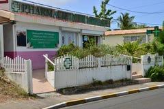 Martinique pittoresk stad av Sainte Anne i västra Indies royaltyfri fotografi