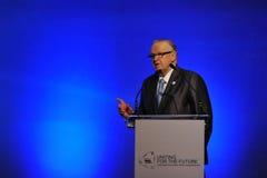 Martti Ahtisaari Speaks no fórum tailandês da reconciliação fotos de stock