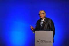 Martti Ahtisaari Speaks at Thai Reconciliation Forum Stock Photos