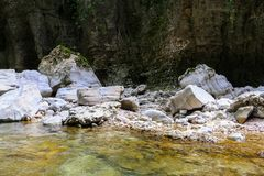 Martvili kanjon i Georgia arkivbilder