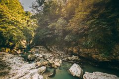 Martvili-Schlucht, Georgia Landschaft-Abasha-Fluss Natürliche Denkmäler Stockfotografie