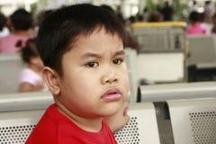 martwiący się chłopiec spojrzenie Obrazy Royalty Free