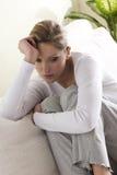 martwiąca się smutna kobieta Zdjęcia Royalty Free