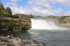 Maruia在Maruia河落在塔斯曼区NZ 免版税库存图片
