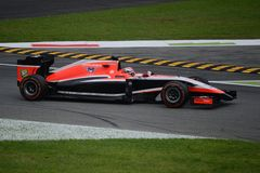 Marussia MR03 som är drivande vid Jules Bianchi på Monza Royaltyfri Bild