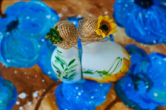Marvellous handgjorda flaskor för solrosolja Arkivfoto