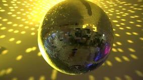 Marvellous ljust färgrikt spegelförsett skraj rotera för belysning för lampa för garnering för tak för nattklubb för diskobollpar lager videofilmer