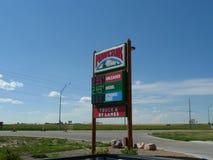 Marverik affärsföretag` s stoppar först, bränsle och servicebutiken, Alliance, Nebraska Fotografering för Bildbyråer