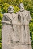 Marx und Engels-Statue in Fuxing parken Shanghai-Porzellan Lizenzfreies Stockfoto