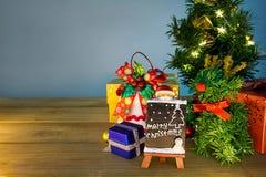 Mary Christmas y evento de la Feliz Año Nuevo en la madera Abra la pizca caliente Fotos de archivo libres de regalías