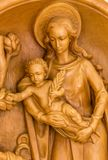Mary die Heilig Kind Jesus houden Stock Afbeelding