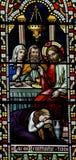 Mary Magdalene che lava i piedi di Gesù in vetro macchiato fotografie stock