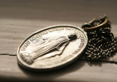 Mary-Medaille Lizenzfreie Stockbilder