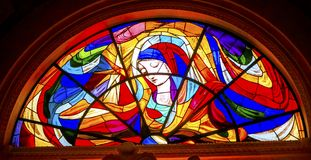 Mary Stars Stained Glass Basilica van Dame van Rozentuin Fatima Portu stock foto