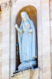 Mary Statue Rosary Bell Tower-Basilika von Dame des Rosenbeetes Fatima Portugal Stockbilder