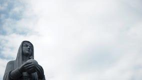 Mary staty i molnig dag Royaltyfria Bilder