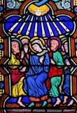 Mary und die Apostel an Pfingsten - Buntglas stockbild