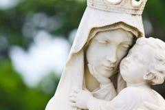 A Mary virgem e o bebê Jesus Foto de Stock Royalty Free