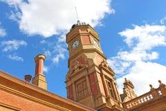 Maryborough火车站的钟楼在1890年被架设了,虽然驻地自1874以来是运转中 图库摄影
