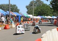 Maryborough ospita una prova di 24 ore in cui istruisce intorno alla corsa dell'Australia dai loro veicoli umani ed ibrido a forz fotografia stock