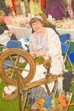 Marymas justo: haciendo girar y lanas de peine. Fotografía de archivo libre de regalías