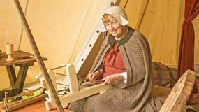 Marymas justo: linha de lã de tecelagem. Fotos de Stock Royalty Free