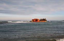 Marzamemi,西西里岛,意大利 在一个小海岛上的红色房子 图库摄影