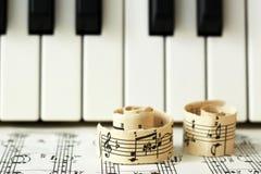 Marzec 28, 2018 Izhevsk, Rosja Muzykalne notatki, pianino Obraz Royalty Free