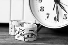 Marzec 28, 2018 Izhevsk, Rosja Muzykalne notatki, pianino Zdjęcie Stock