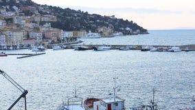 Marzec 23, 2018, Porto Santo Stefano, Włochy Powrót łódź rybacka Porto Santo Stefano zbiory wideo