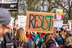 Marzec przeciw Atutowym polisom obrazy stock