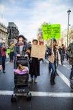 Marzec przeciw Atutowym polisom Fotografia Royalty Free