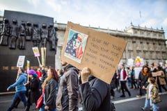 Marzec przeciw Atutowym polisom fotografia stock