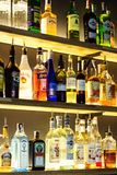 07 Marzec, 2018 - Vinnitsa, Ukraina Alkoholu napoju butelka przy c Obrazy Stock