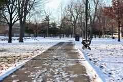 Marznięcia przejście w zimy nakryciu z śniegiem i lodem zdjęcie stock