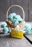 8 marzo cartolina d'auguri Il giorno della donna internazionale, carta del fiore con le rose Fotografie Stock