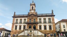 25 marzo 2016, città storica di Ouro Preto, Minas Gerais, Brasile Vecchia casa legislativa coloniale fotografia stock libera da diritti