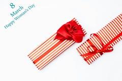 8 marzo contenitore di regalo di giorno Vista superiore con lo spazio della copia giorno di madri concentrato Immagini Stock