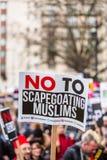 Marzo contra políticas del triunfo Imagenes de archivo