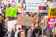 Marzo contra políticas del triunfo Fotografía de archivo libre de regalías